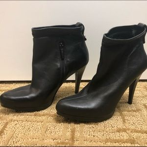 "Nine West ankle boots with 4"" heel. Side zip."